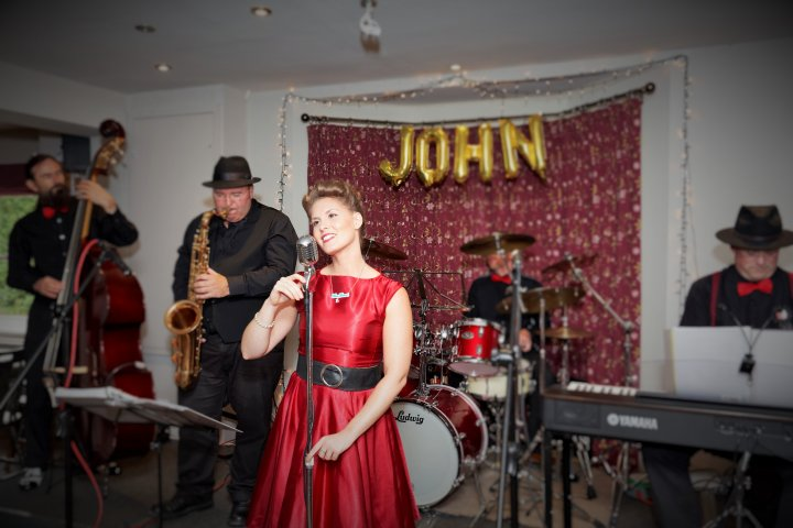 Alexshows.co.uk- The Miss Jones Jazz Band